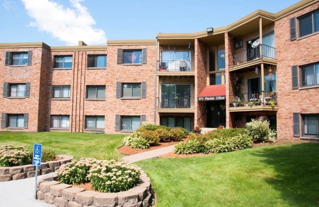 Hillside East Apartments - 371 Old Highway 8 SW, New Brighton, MN 55112