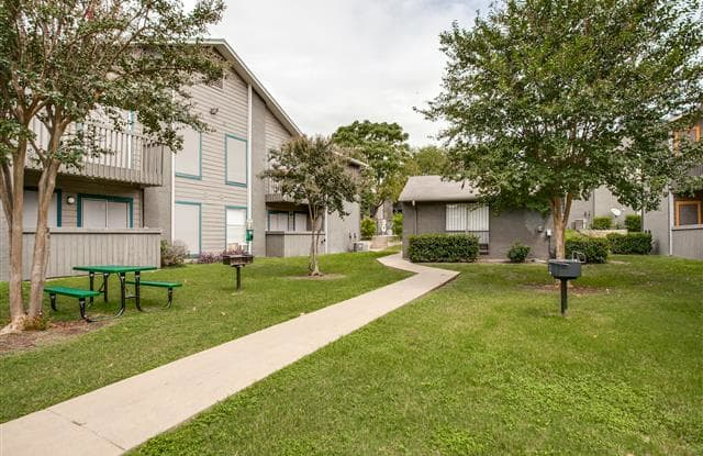 Amor - 1200 Mearns Meadow Blvd, Austin, TX 78758