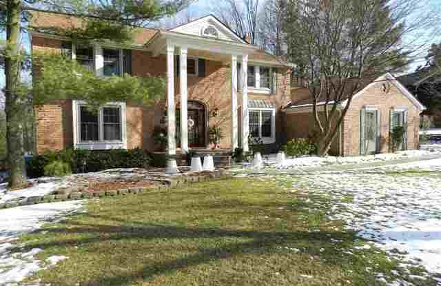 309 Grosse Pines Dr - 309 Grosse Pines Drive, Rochester Hills, MI 48309