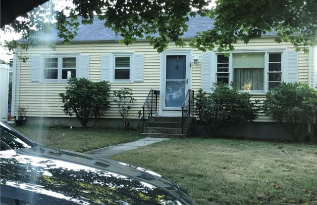 24 Toppa Boulevard - 24 Toppa Boulevard, Newport, RI 02840