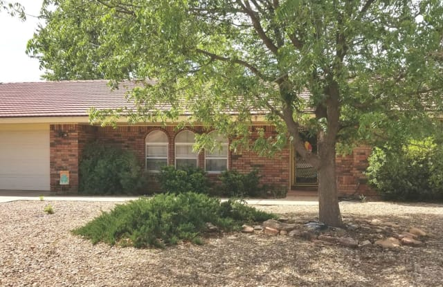 1825 Fairway Terrace - 1825 Fairway Terrace, Clovis, NM 88101