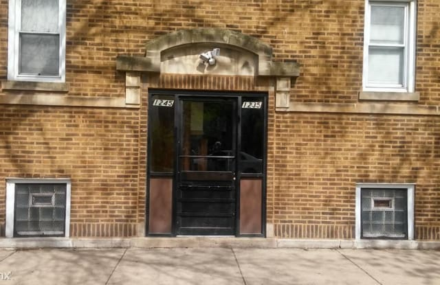 1235 N Kildare Ave Unit 3 - 1235 North Kildare Avenue, Chicago, IL 60651