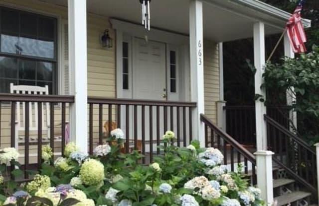 663 Aquidneck Avenue - 663 Aquidneck Avenue, Newport East, RI 02842