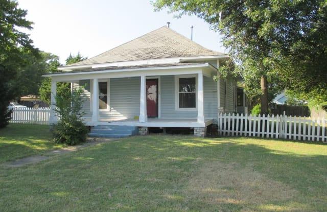 1524 W Main Street - 1524 West Main Street, Collinsville, OK 74021