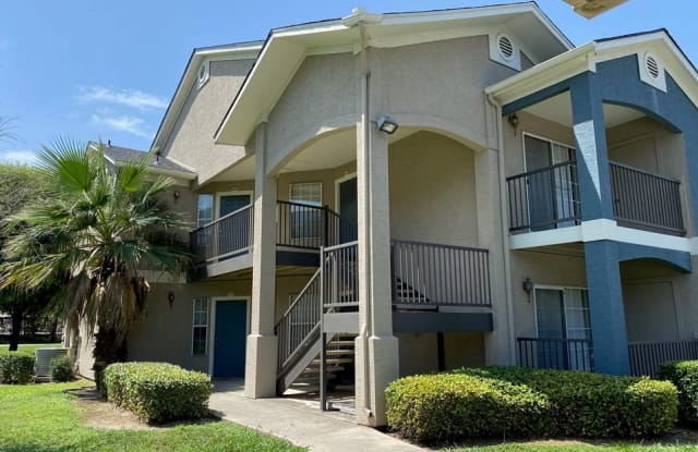 Rosillo Creek Apartments - 5239 Eisenhauer Rd, San Antonio, TX 78218