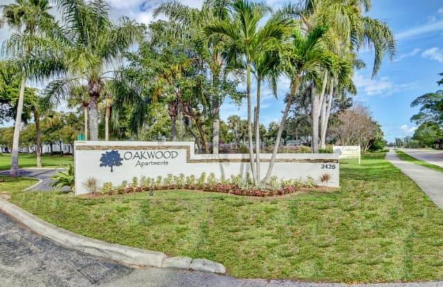 Oakwood - 2425 2nd Ave N, Lake Worth, FL 33461