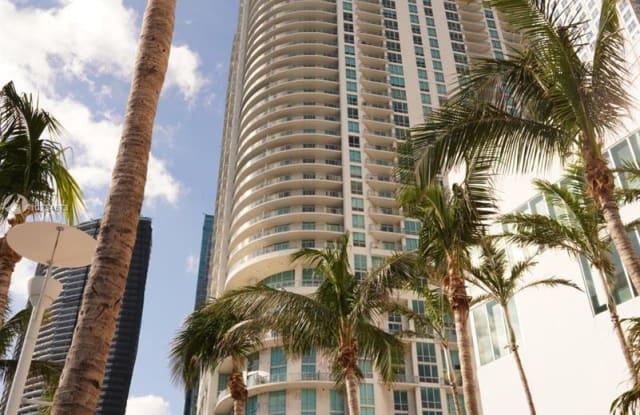 300 S Biscayne Blvd - 300 Biscayne Boulevard, Miami, FL 33131