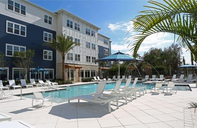 5 Oaks at Westchase - 8820 Thomas Oaks Dr, Tampa, FL 33626