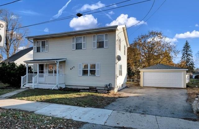 411 East Division Street - 411 East Division Street, Lockport, IL 60441