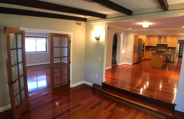 3384 Bennett Drive Los Angeles Ca Apartments For Rent