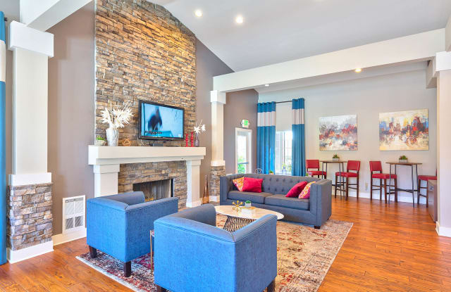 Mosaic Hills Apartment Homes - 10811 SE 239th Pl, Kent, WA 98031