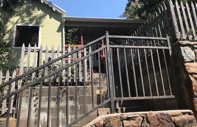 422 Spring St - 422 Spring Street, Nevada City, CA 95959