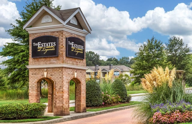 The Estates at Legends - 2112 Mosteller Estate Avenue Southeast, Hickory, NC 28602