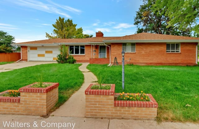 685 S. Washington Cir. - 685 South Washington Circle, Englewood, CO 80113