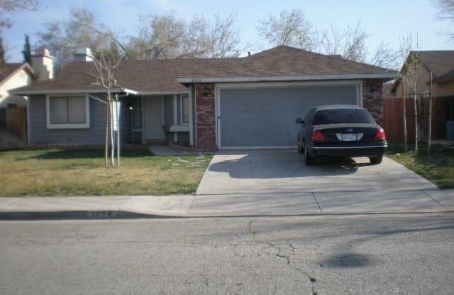 3076 E Ave R4 - 3076 East Avenue R 4, Palmdale, CA 93550