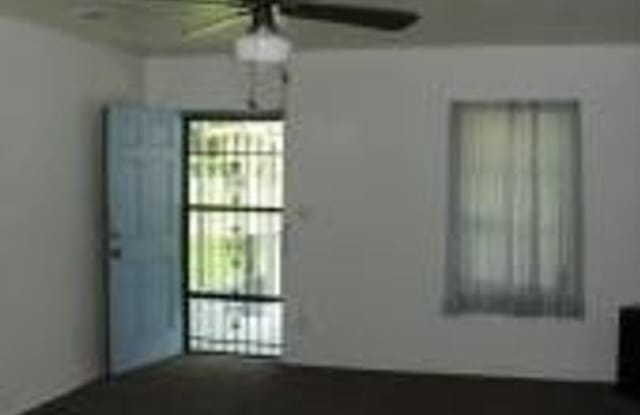 5016 Palmer Ave - 5016 Palmer Avenue, Jacksonville, FL 32210