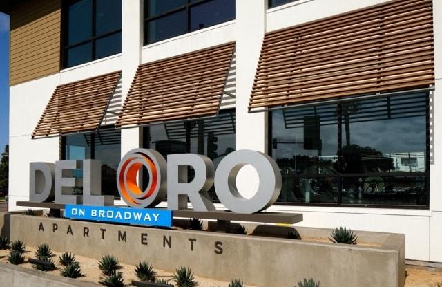 Del Oro on Broadway - 986 Broadway, Chula Vista, CA 91911