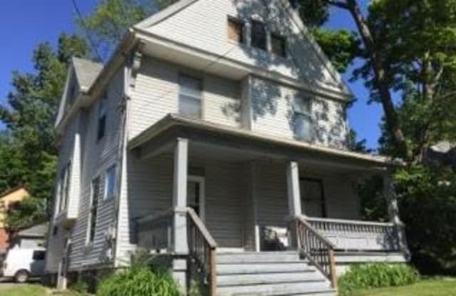 120 Beck Ave - 120 Beck Avenue, Akron, OH 44302
