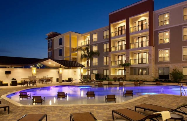 Residences At Pearland Town Center Pearland Tx Apartments For Rent