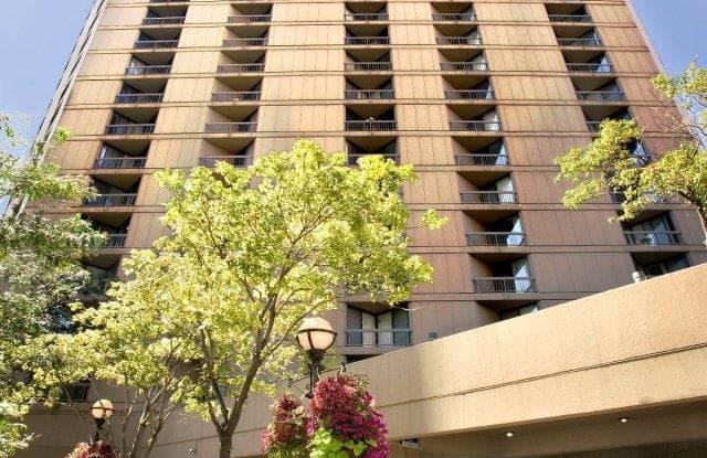 Asbury Plaza - 750 N Dearborn St, Chicago, IL 60654