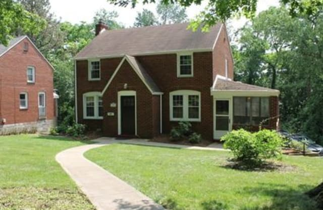 300 Barclay Ave - 300 Barclay Avenue, Forest Hills, PA 15221