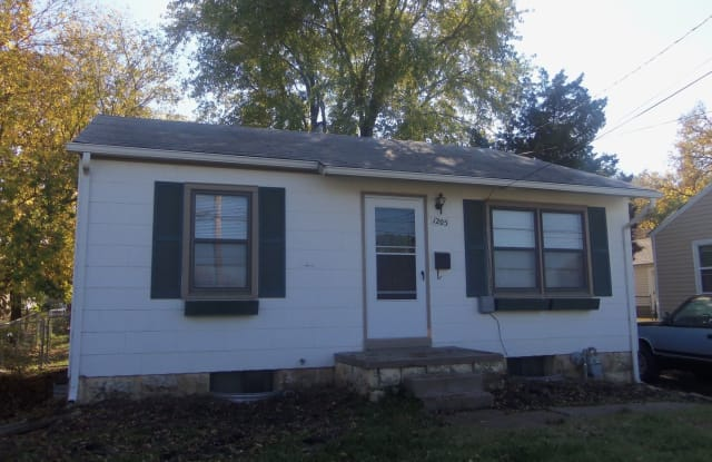 1205 W. 8th St. - 1205 West 8th Street, Junction City, KS 66441
