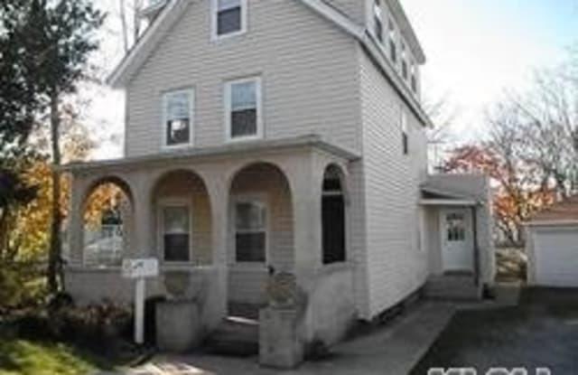15 White St - 15 White Street, Oyster Bay, NY 11771