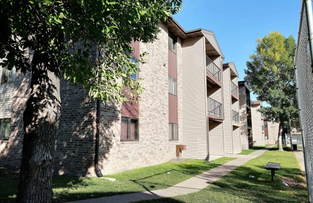 Place One Apartments - 1760 40th St SW #306 Fargo, Fargo, ND 58103