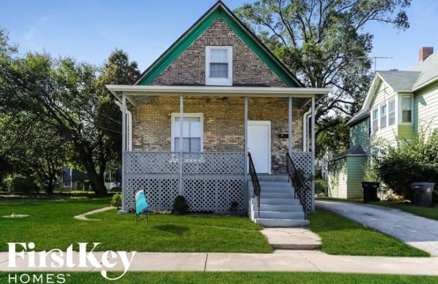 542 Oak Street - 542 Oak Street, Waukegan, IL 60085