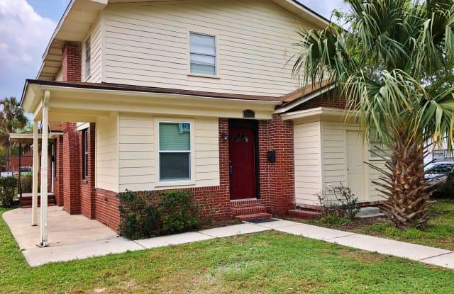 844 PHILLIPS ST - 844 Phillips Street, Jacksonville, FL 32207