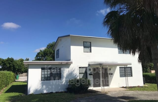 1400 W 28th St - 1400 West 28th Street, Riviera Beach, FL 33404