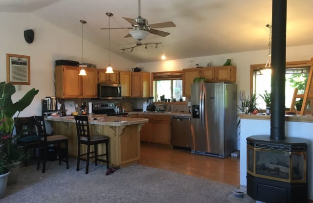 61620 Summer Shade, 2BR - 61620 Summer Shade Dr, Bend, OR 97702