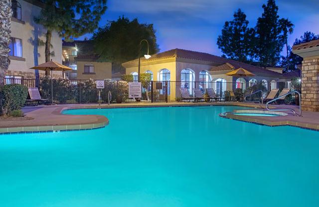 Colonial Grand at OldTown Scottsdale - 2929 N 70th St, Scottsdale, AZ 85251