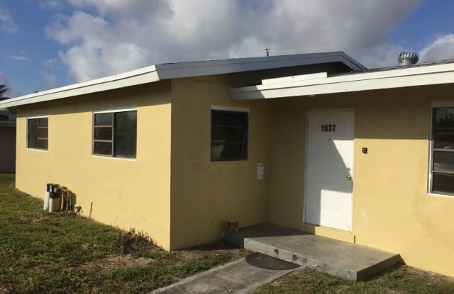 1637 NW 10 AVE - 1637 Northwest 10th Avenue, Fort Lauderdale, FL 33311
