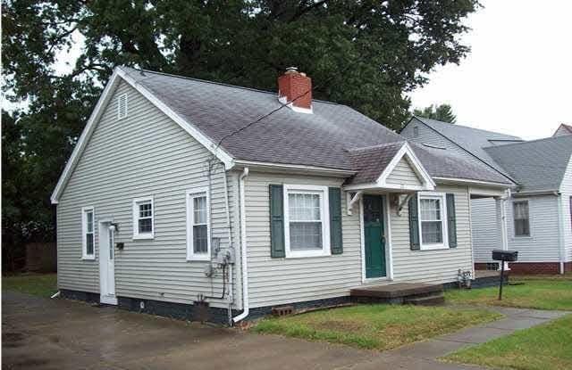 20 S Weinbach Avenue - 20 South Weinbach Avenue, Evansville, IN 47714