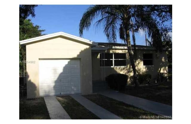 5901 SW 62nd Ave - 5901 Southwest 62nd Avenue, South Miami, FL 33143