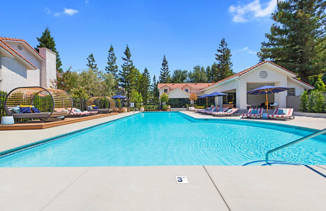 Cascades - 9375 N Saybrook Dr, Fresno, CA 93720