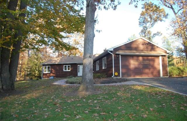 164 Landing Meadow Rd - 164 Landing Meadow Road, Smithtown, NY 11787