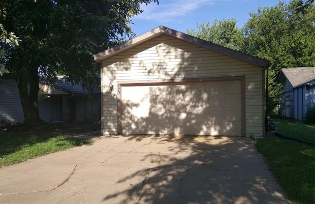 520 S Paula Ave - 520 S Paula Ave, Wichita, KS 67209