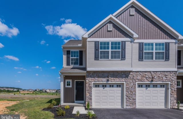 1752 FAIRBANK LANE - 1752 Fairbank Ln, Cumberland County, PA 17055