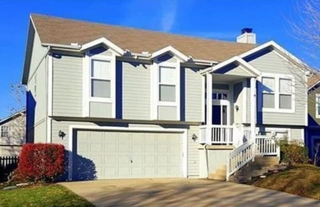 1031 North Troost Avenue - 1031 North Troost Avenue, Olathe, KS 66061