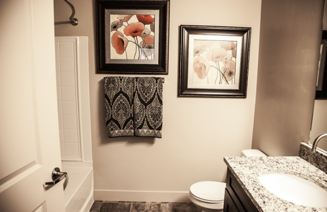 Legacy Crossing - 1162 West 200 North, Centerville, UT 84014