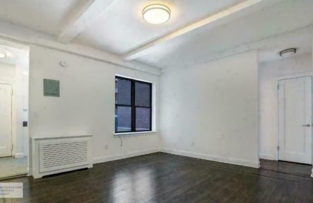140 W 55TH ST. - 140 West 55th Street, New York, NY 10105