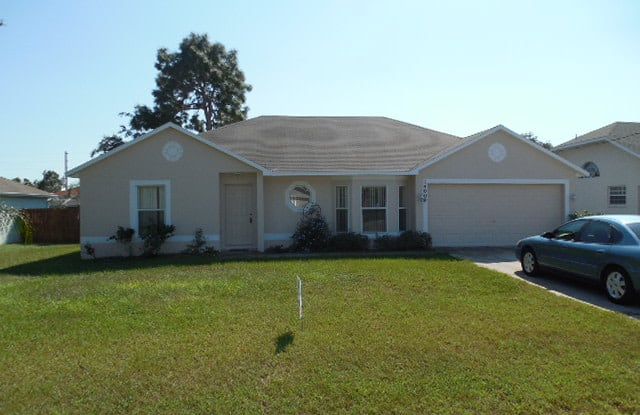 14008 Candia St - 14008 Candia Street, Spring Hill, FL 34609
