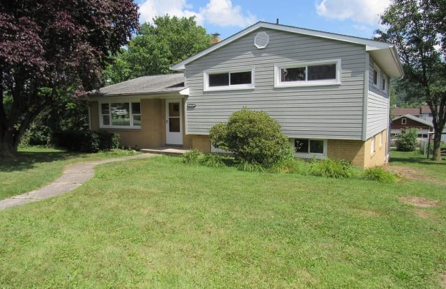 1539 Grant Avenue - 1539 Grant Avenue, Altoona, PA 16602