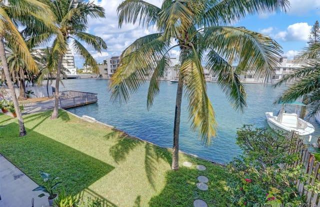 6905 Bay Dr - 6905 Bay Drive, Miami Beach, FL 33141