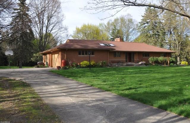28838 Village Ln - 28838 Village Lane, Farmington Hills, MI 48334