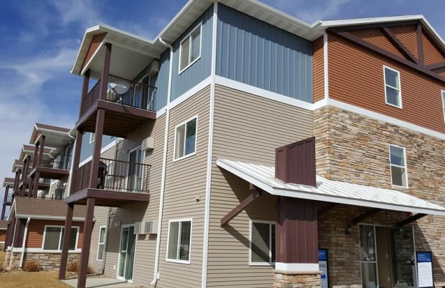 West River at Dickinson (States Addition) - 2542 4th Street West, Dickinson, ND 58601