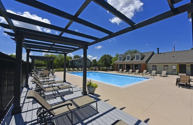 Pavilion Lakes Apartments - 100 Williamsburg Dr, Evansville, IN 47715