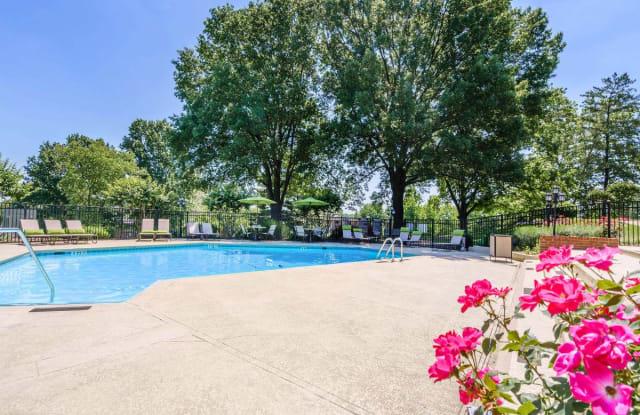Nob Hill Apartments - 180 Wallace Rd, Nashville, TN 37211